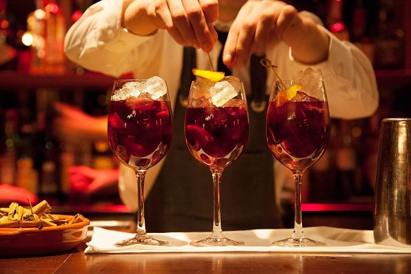 Few things every cocktail bar and nightclub should have